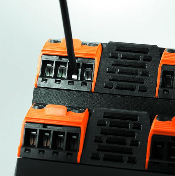 Защитный механизм Wire Guard