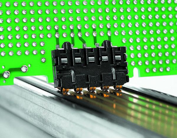 Шинный контакт, совместимый с технологией пайки оплавлением припоя