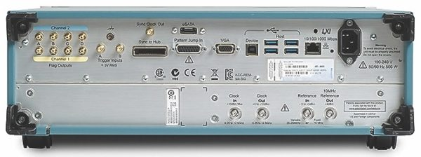 Задняя панель генераторов AWG70000