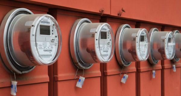 С помощью интеллектуального счетчика электроэнергии можно регулировать ее потребление в соответствии с ценами вне фаз пикового потребления