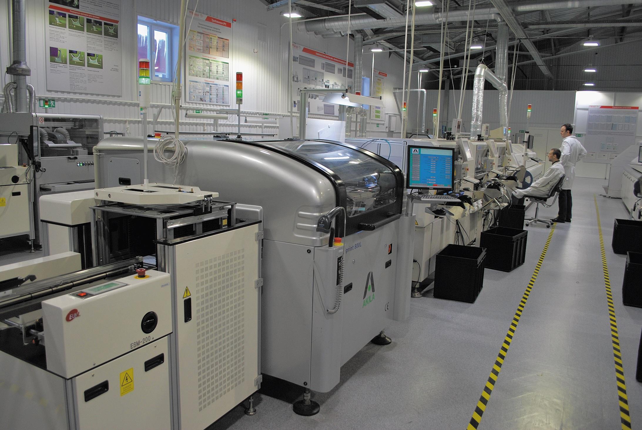 Суммарная мощность первой линии, где собраны установщики КЕ1080, КЕ2060 и КЕ2070, согласно стандарту IPC9850, составляет 42 600 устанавливаемых комп./ч