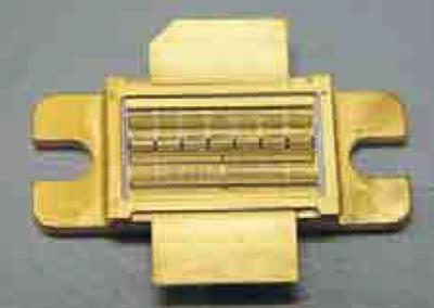Внешний вид транзистора. работающего в L-диапазоне частот