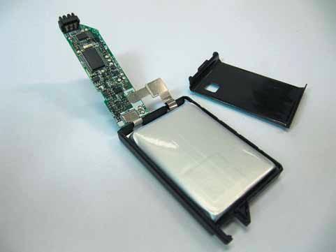 Литий-ионный аккумулятор с платой системы обеспечения функционирования