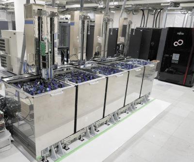 Суперкомпьютер Suiren, разработанный японской компанией PEZY Computing и ExaScaler Inc.