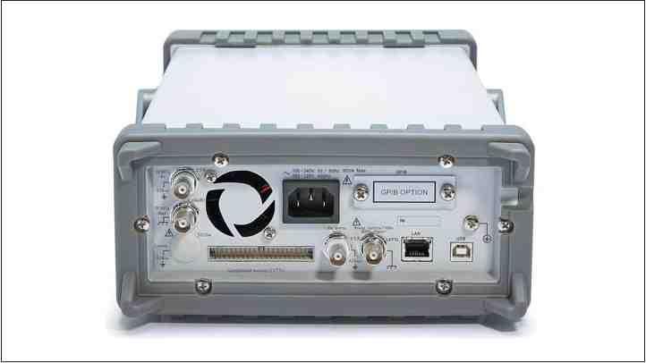 Рис. 20. Задняя панель генератора АКИП-3402