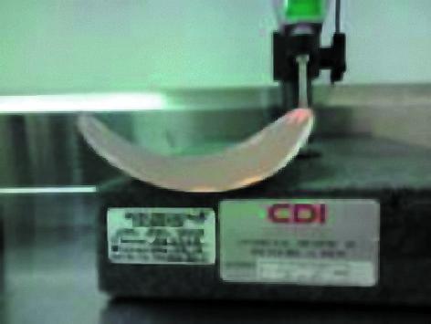 Предварительное нанесение припоя на 32 мм пластину 70 мкм IGBT привело к серьезному короблению