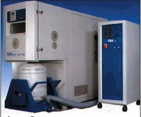 Пример испытательной камеры, создающей одновременно тепловые, климатические и вибрационные воздействия