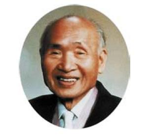 Профессор Кениро Такаянаги