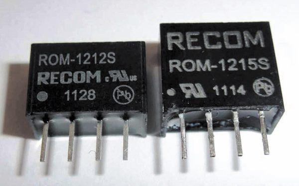 Поддельный RECOM ROM-1215S с фальшивыми логотипом компании и значком сертификации UL (справа)