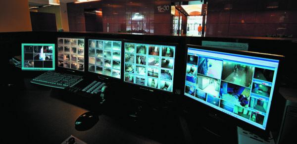 Цифровые системы видеонаблюдения на основе процессоров Intel Atom серии E3800  способны одновременно обрабатывать и отображать видеосигнал с множества IP-камер, параллельно отслеживая передвижения объектов с помощью соответствующего ПО
