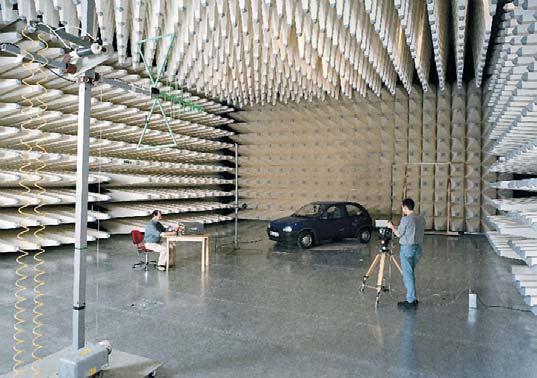 Рис. 14. Лаборатория NEC Electronics по проведению исследования EMC