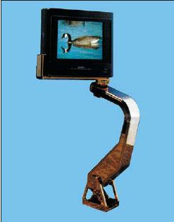 Консольная ЖК панель на кресле пассажира