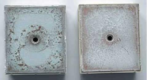 Вид основания демонтированного модуля MiniSKiiP при недостаточной (слева) и оптимальной (справа) толщине слоя пасты
