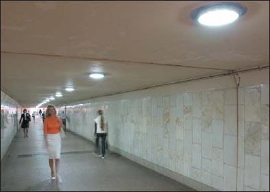 Светильники ДВУ-25 на основе светодиодов Cree в подземном переходе в Москве