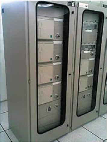 Применяемый сегодня способ монтажа МУРЗ в шкафы