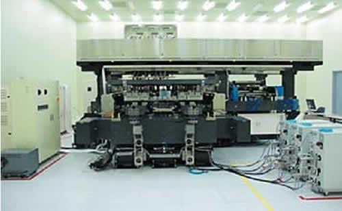 Установка для струйной печати цветных фильтров в линейке G8